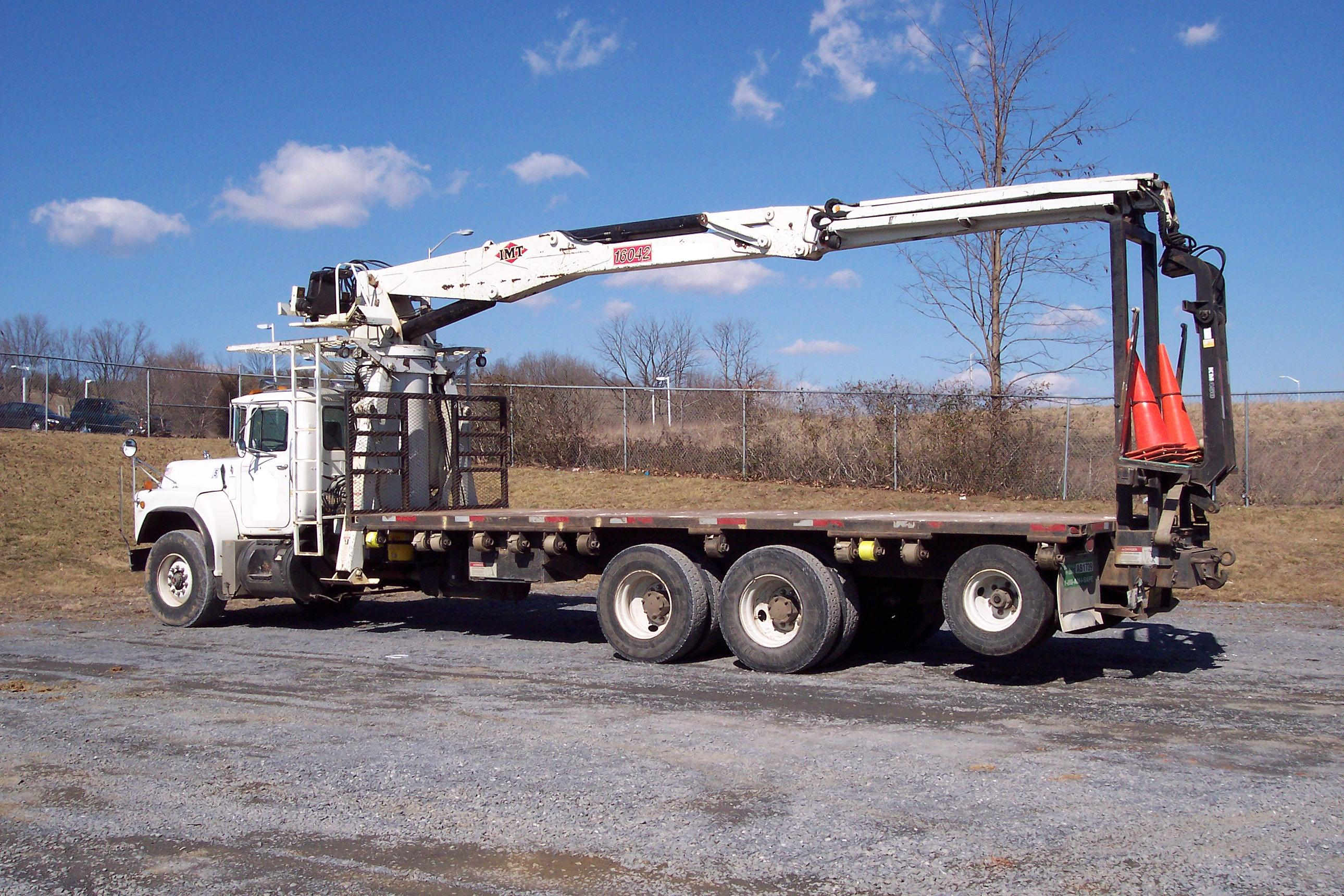 IMT 16042 Drywall, Wallboard, Boom Truck For Sale.